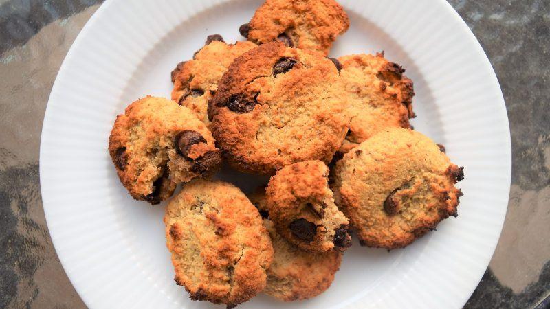 Hjemmelavede palæo-inspirerede cookies Mad