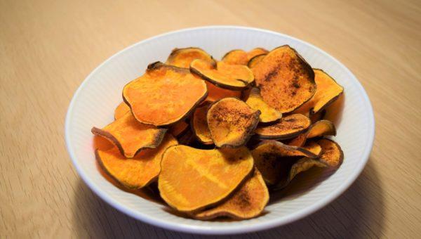 Sunde chips af søde kartofler Mad